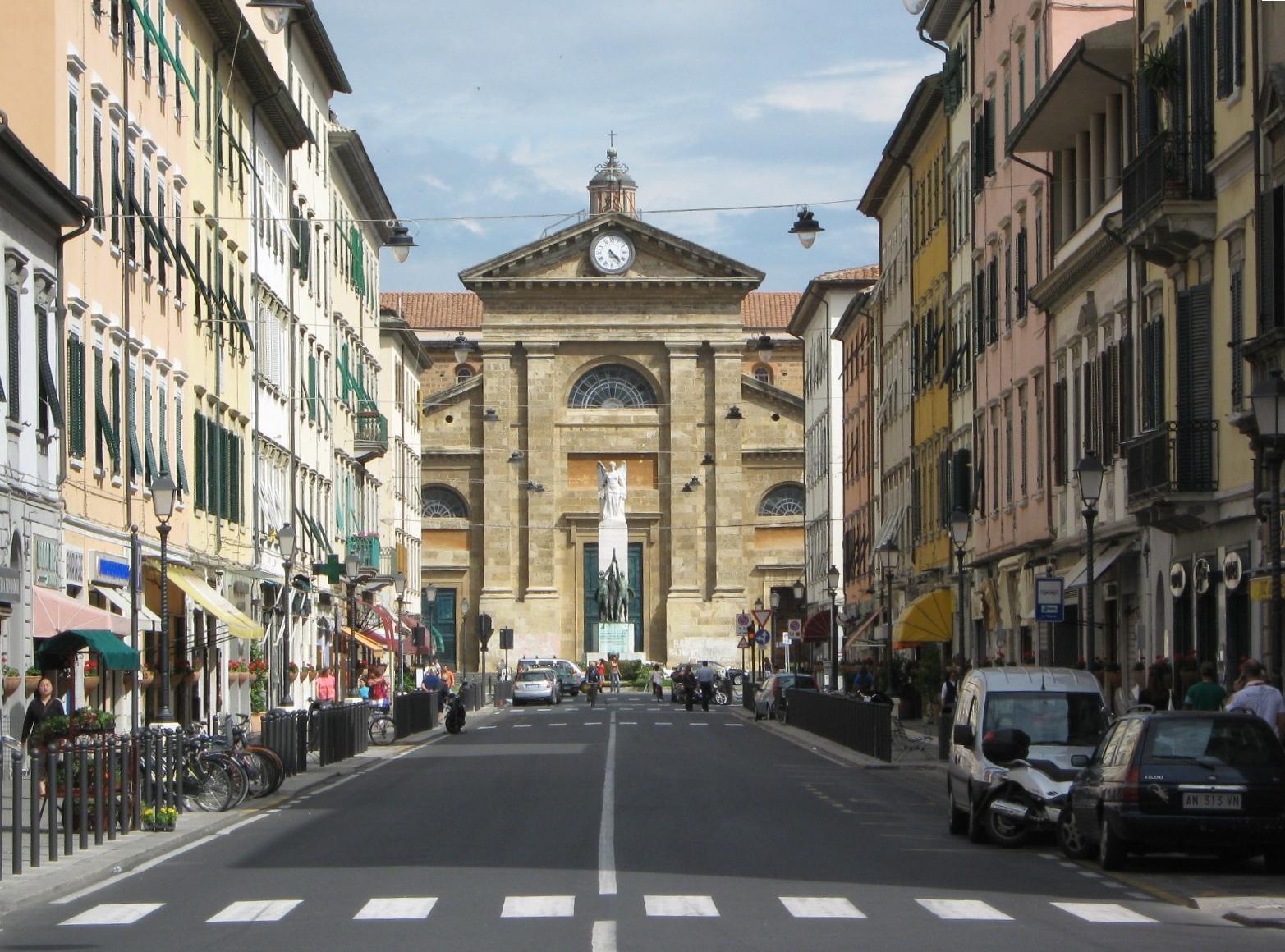File:Livorno - Via Magenta e chiesa del Soccorso.jpg ...