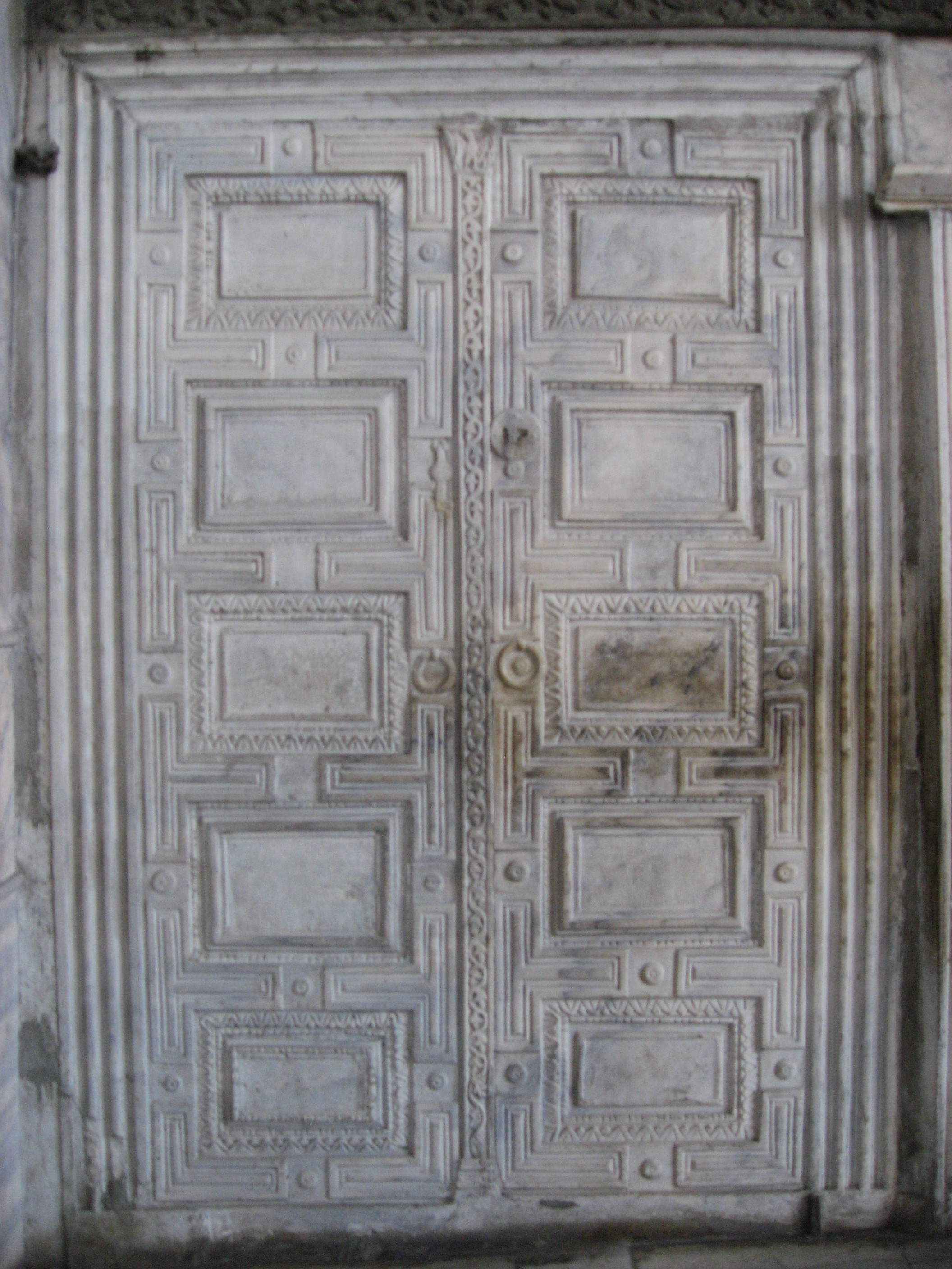 Charmant File:Marble Door Hagia Sophia March 2008.JPG