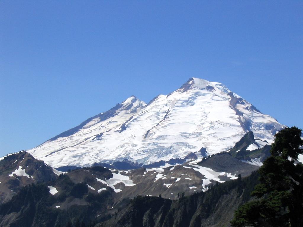 File:Mt Baker.jpg - Wi...