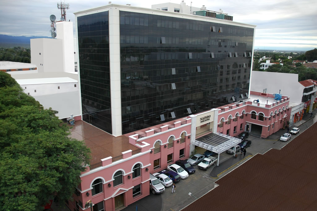File naindo park hotel la rioja for Hotel diseno la rioja