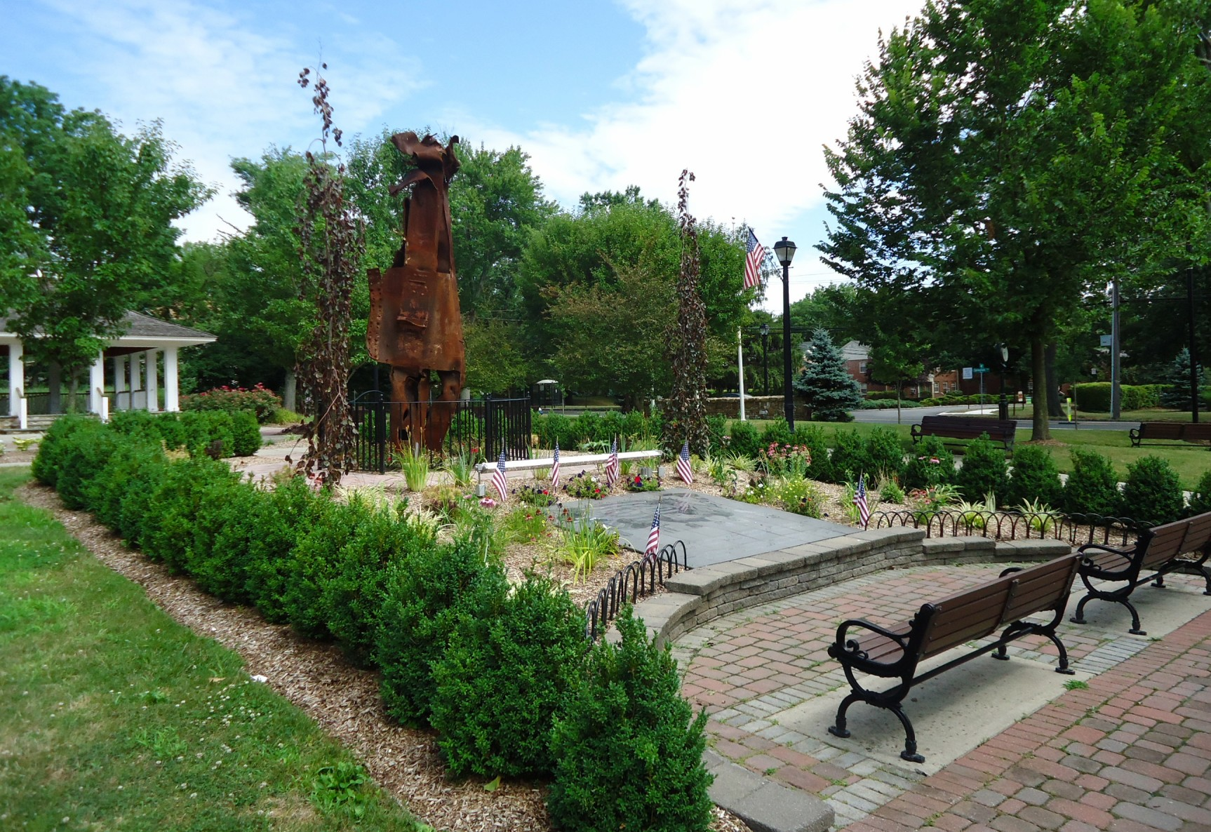 File:New Providence NJ public park with pergola and benches.jpg - Wikimedia Commons