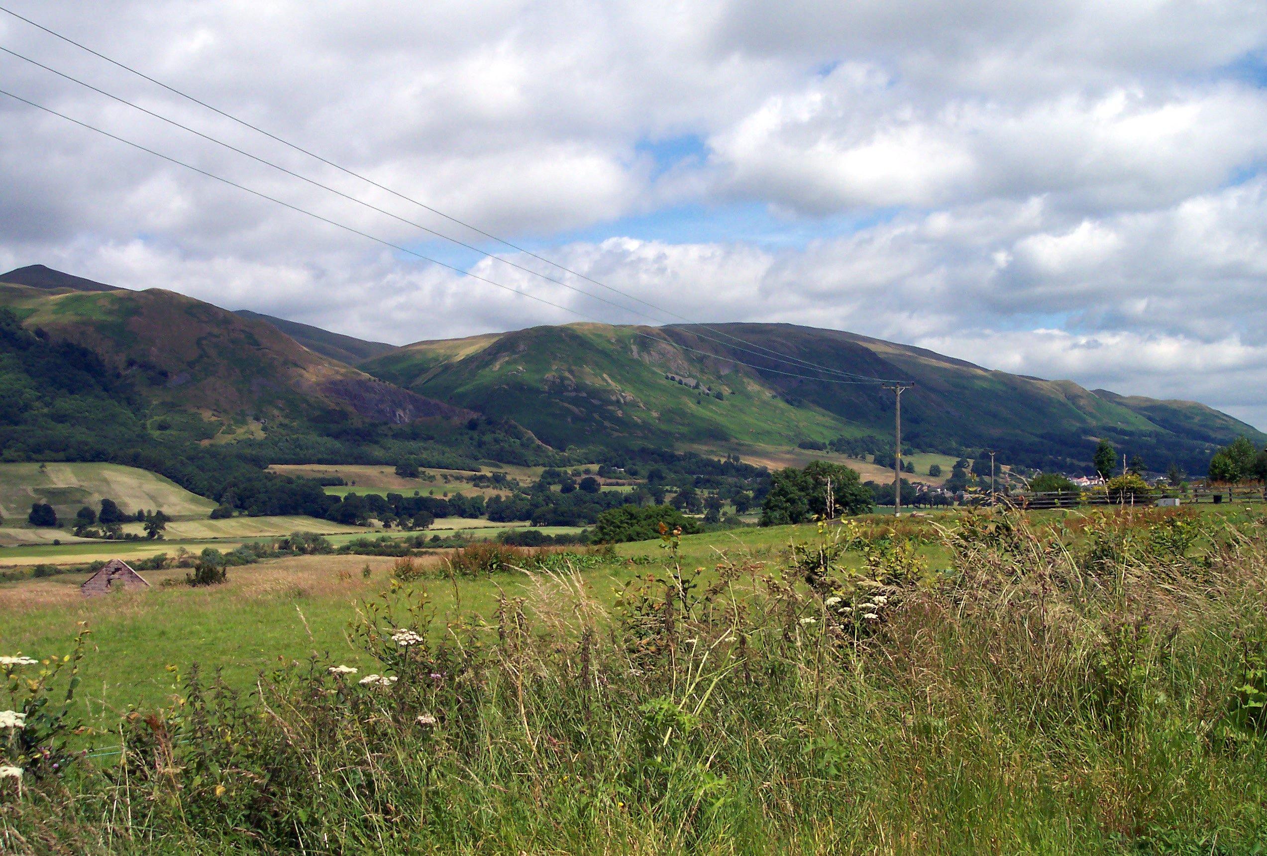 File:Ochil Hills.jpg -...