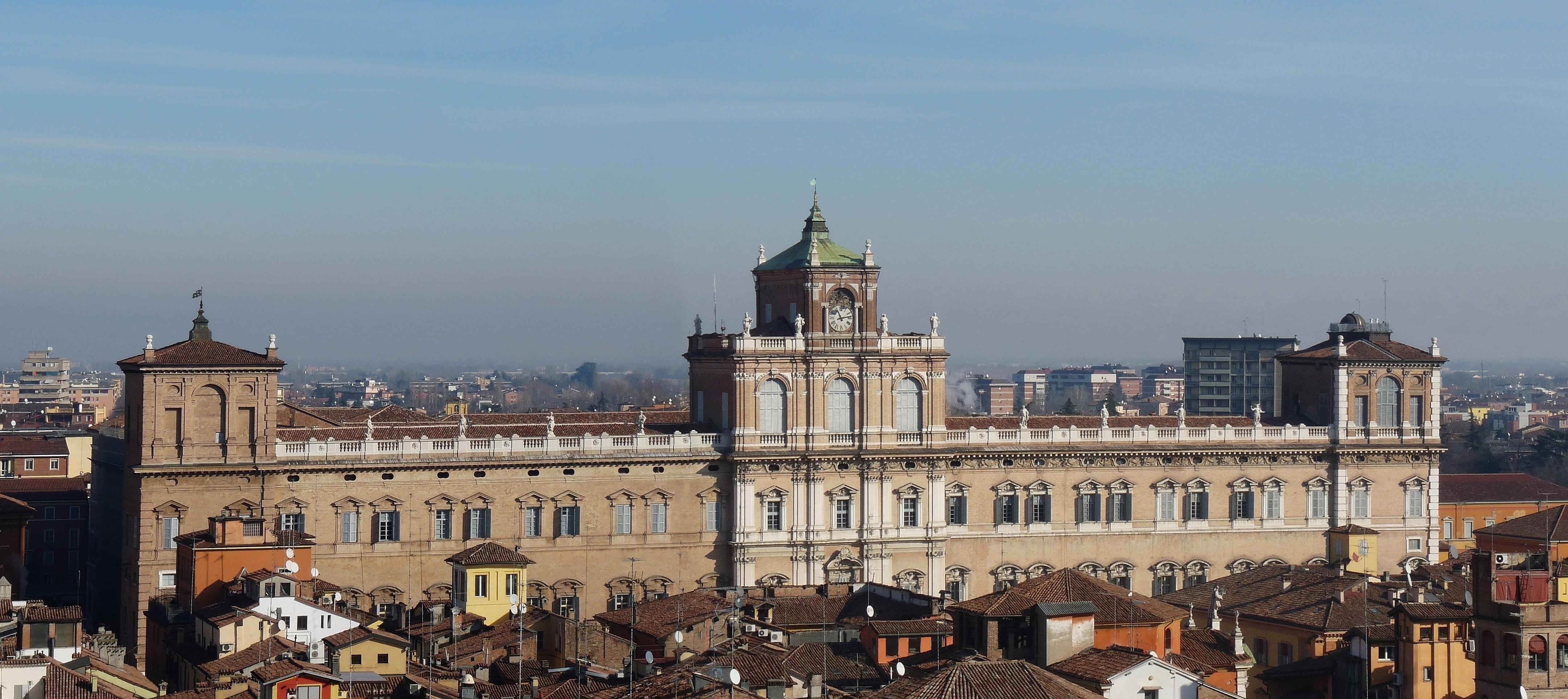 Palazzo Ducale di Modena sede dell Accademia Militare