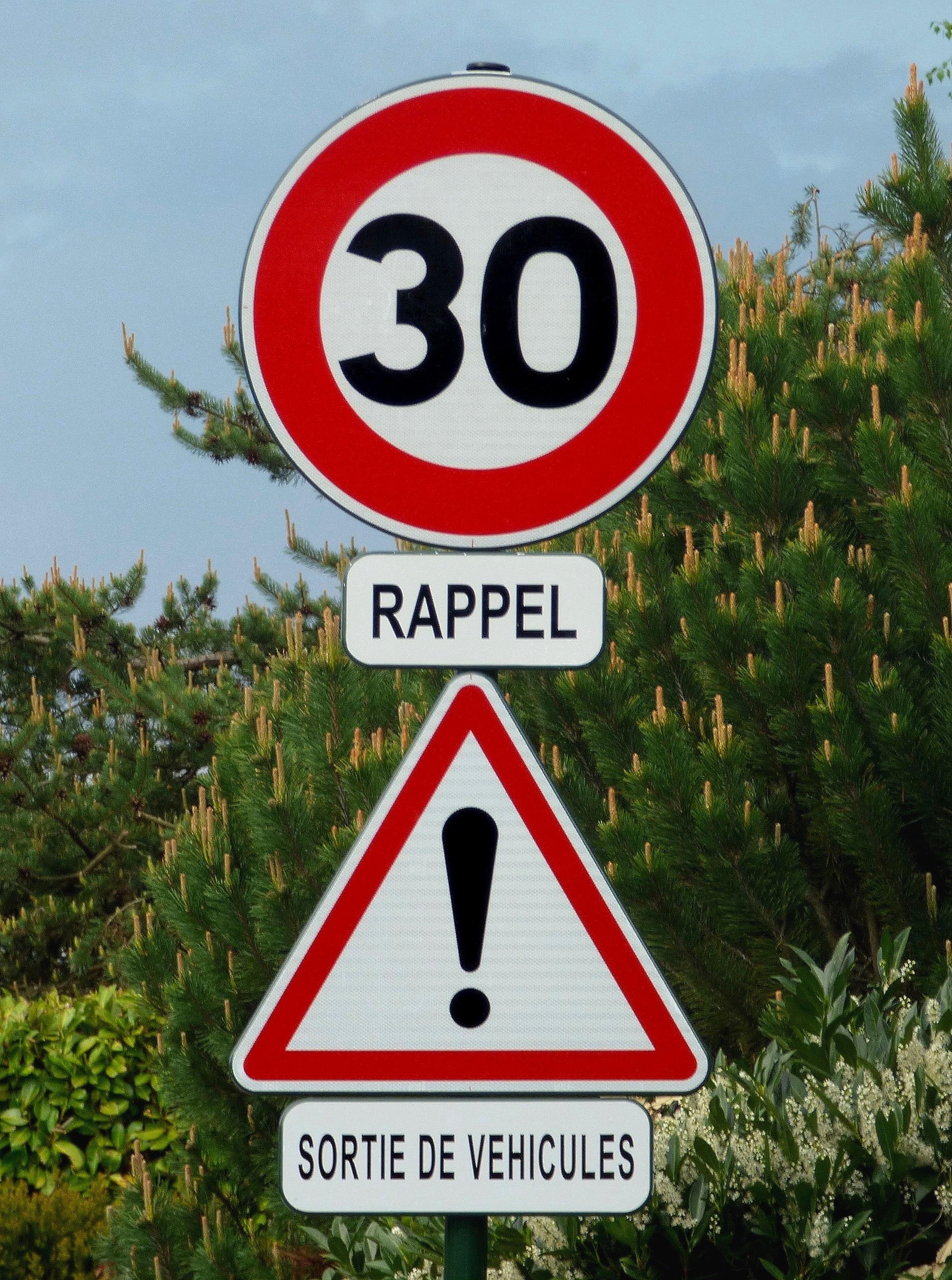 Nouveau Panneau de signalisation routière en France — Wikipédia TK-98