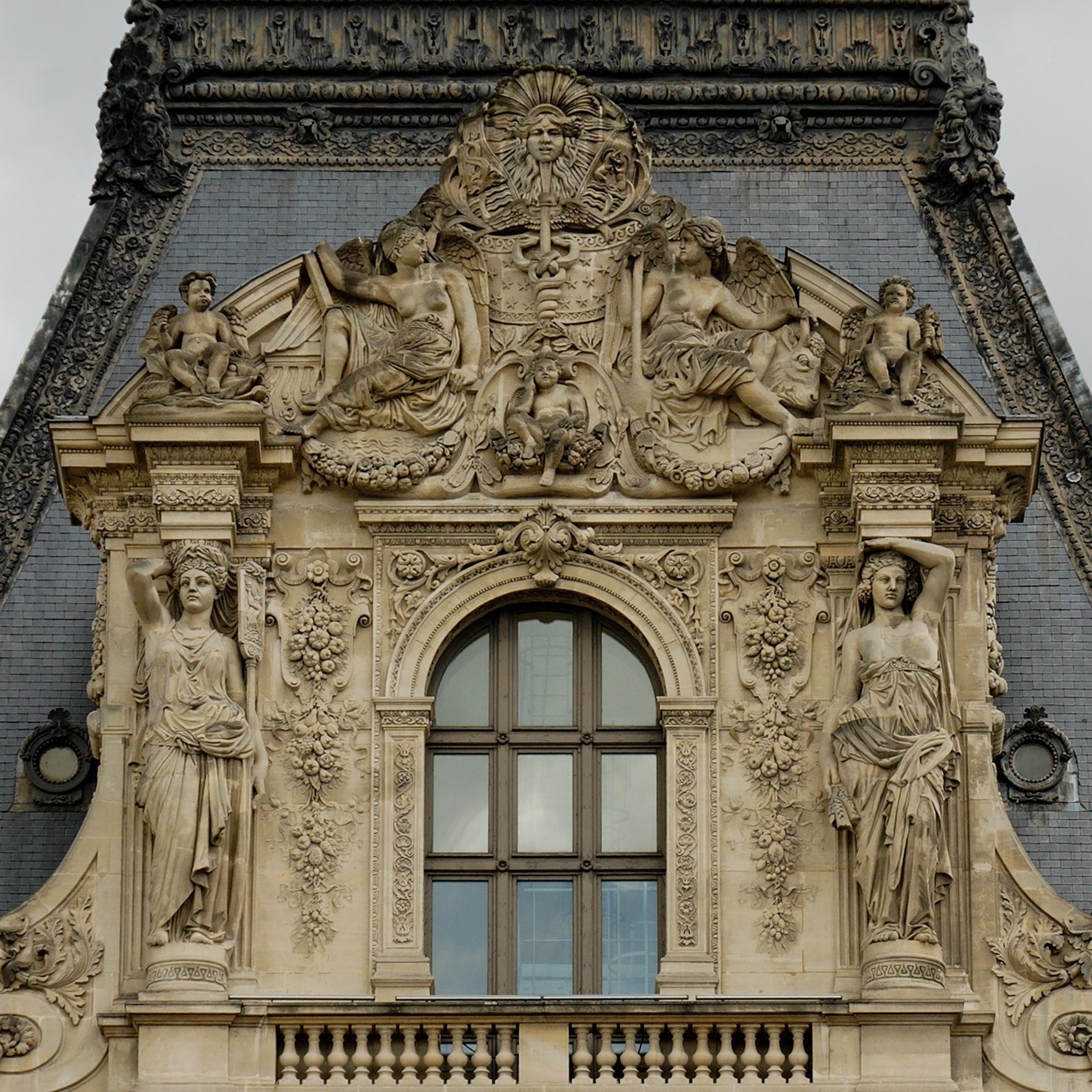 Le louvre paris sur pinterest le louvre statues et for Fenetre louvre