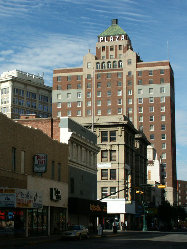 Description Plaza Hotel El Paso.jpg