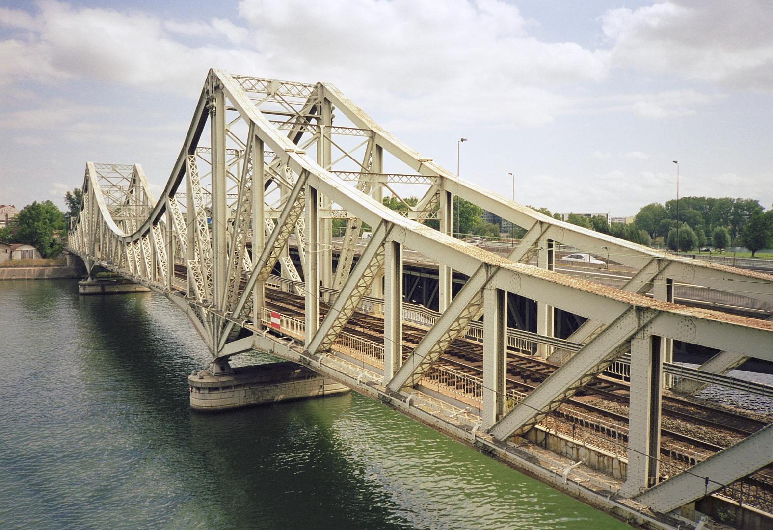 Pont-rail - Ferroviaire - Train - Rails - Lyon - SchoolMouv - Géographie - CM2