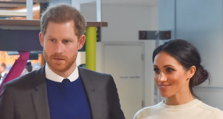 Fișier:Prince Harry and Ms. Markle visit Catalyst Inc (41014635231) (cropped).jpg