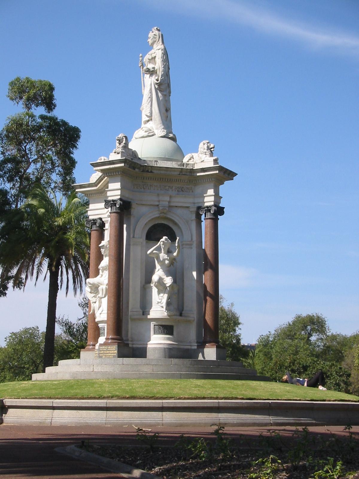 File:queen Victoria Statue