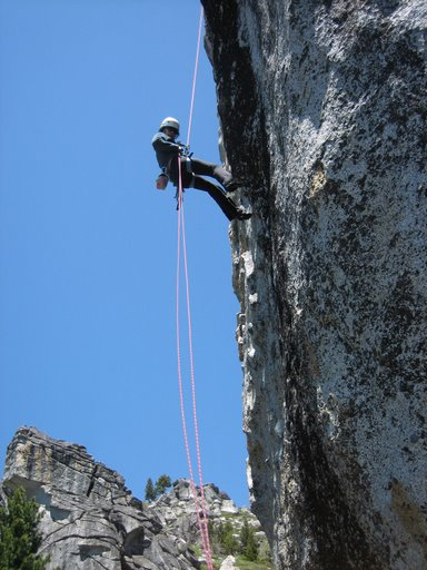 Rappelling during self rescue