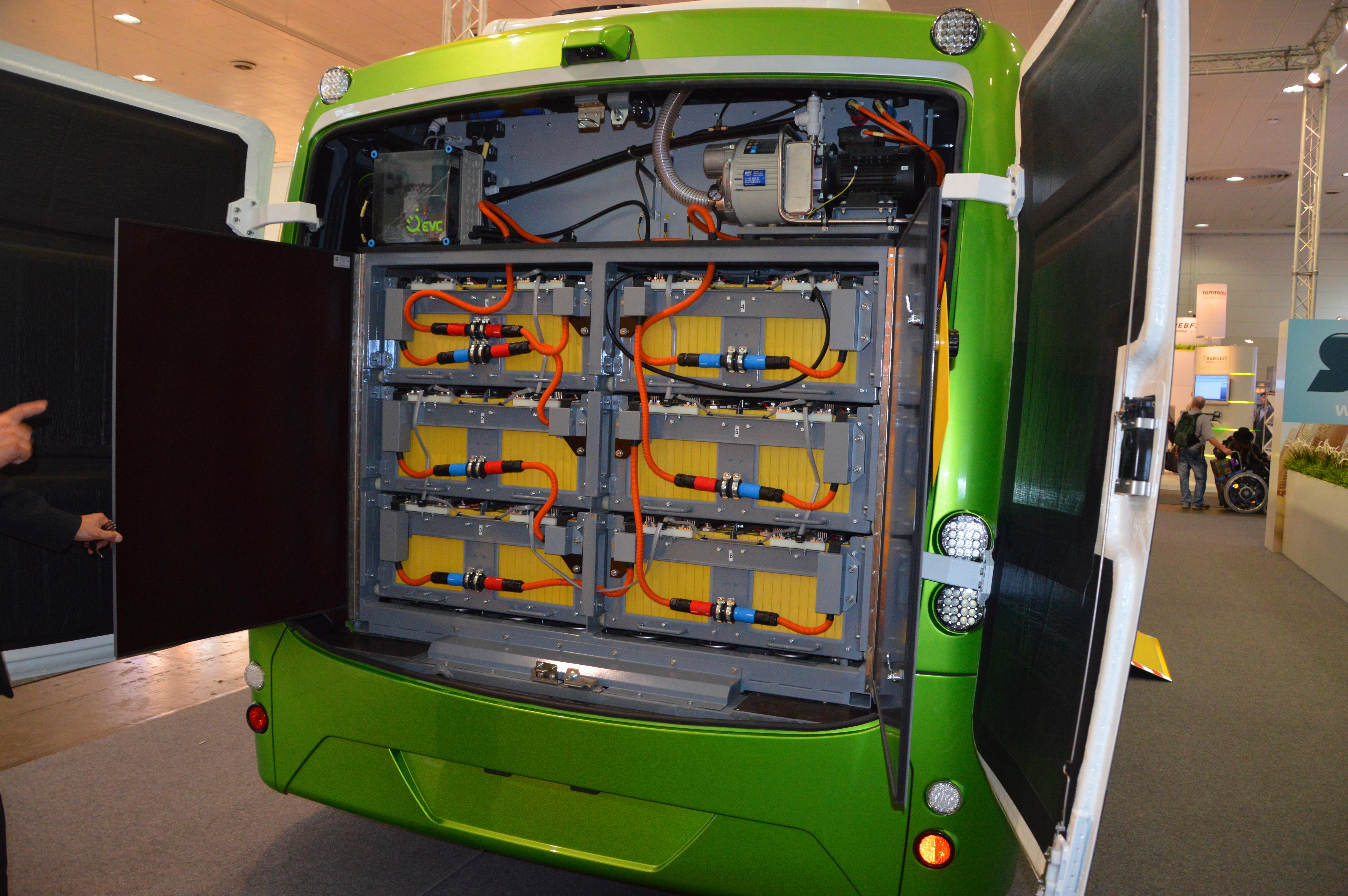File:sor Bus Ebn 11 Traction Batteries Spielvogel 2014g