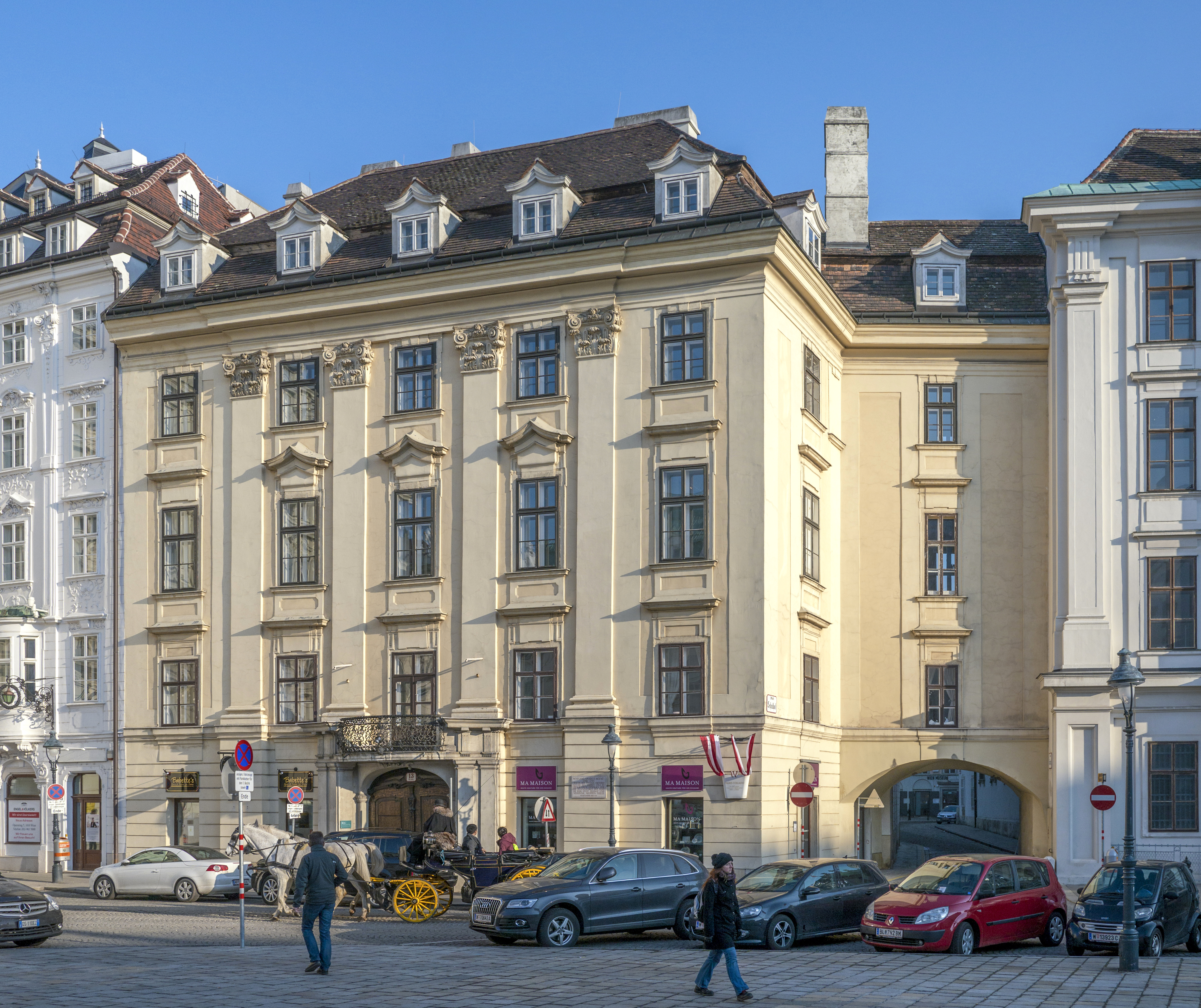Schulhof 8.jpg