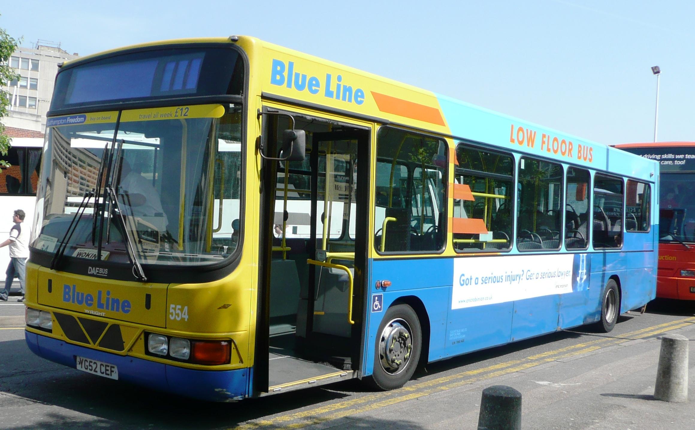 File:Solent Blue Line 554.JPG