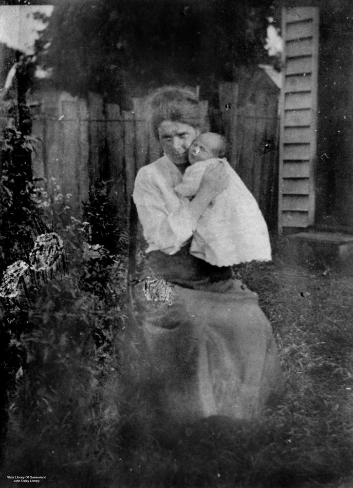 Statelibqld Pioneer Woman Holding Baby