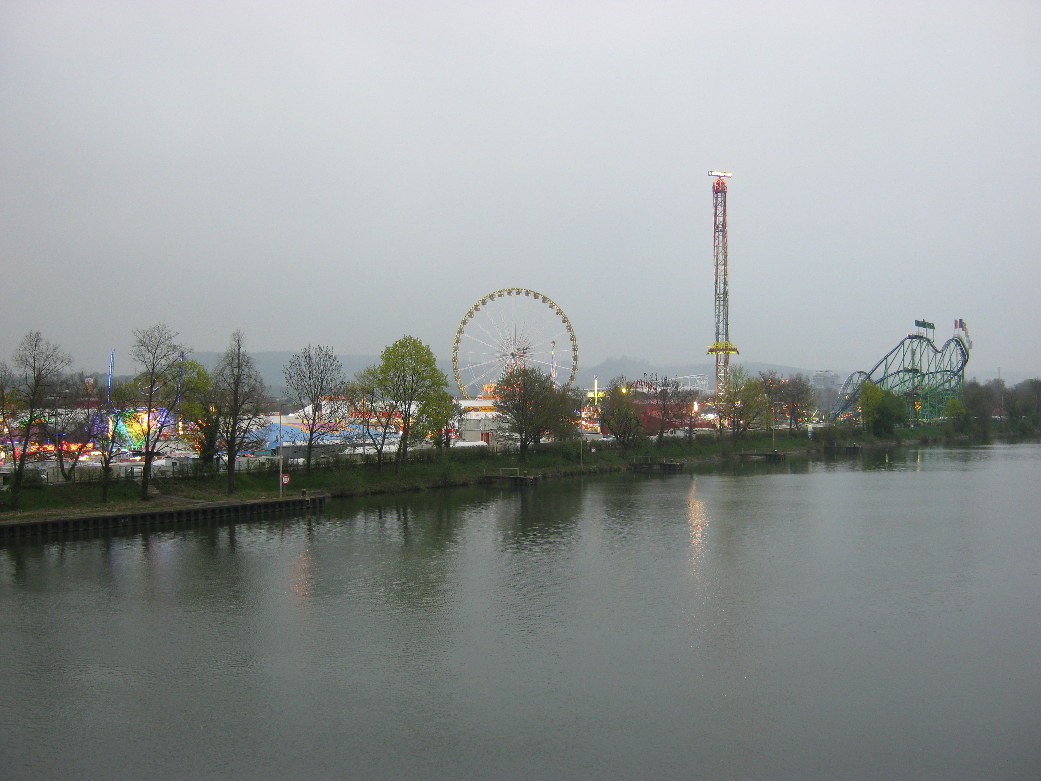 file stuttgarter fruehlingsfest 2004013 jpg wikimedia commons  fruehlingsfest stuttgart.php #12