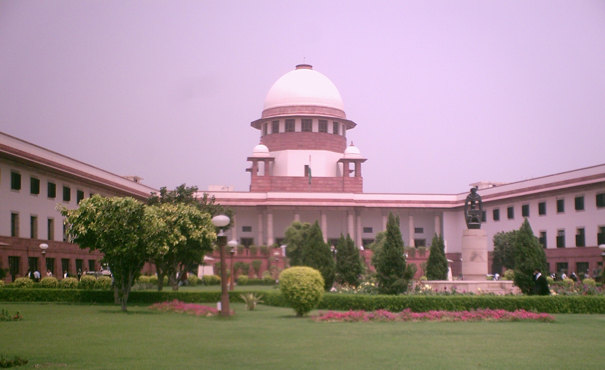 The Supreme Court said that children and the main road cannot be obstructed for a long time.