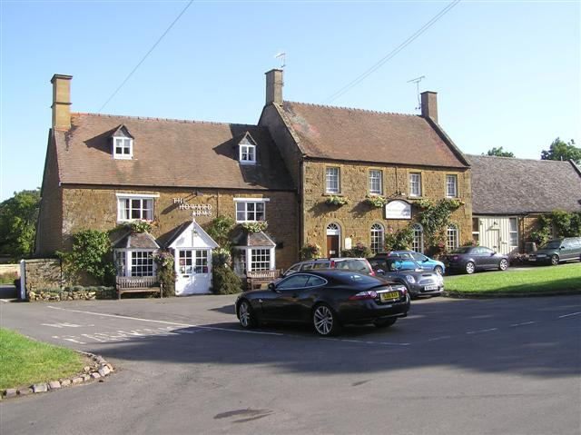 The Howard Arms, Ilmington - geograph.org.uk - 1468385