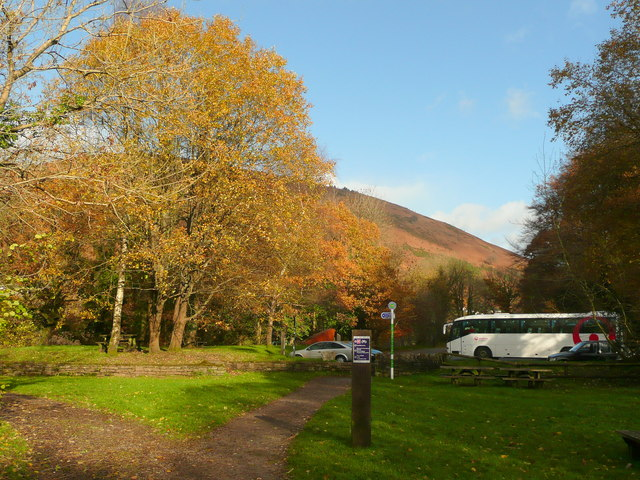 The country park car park - geograph.org.uk - 1041831