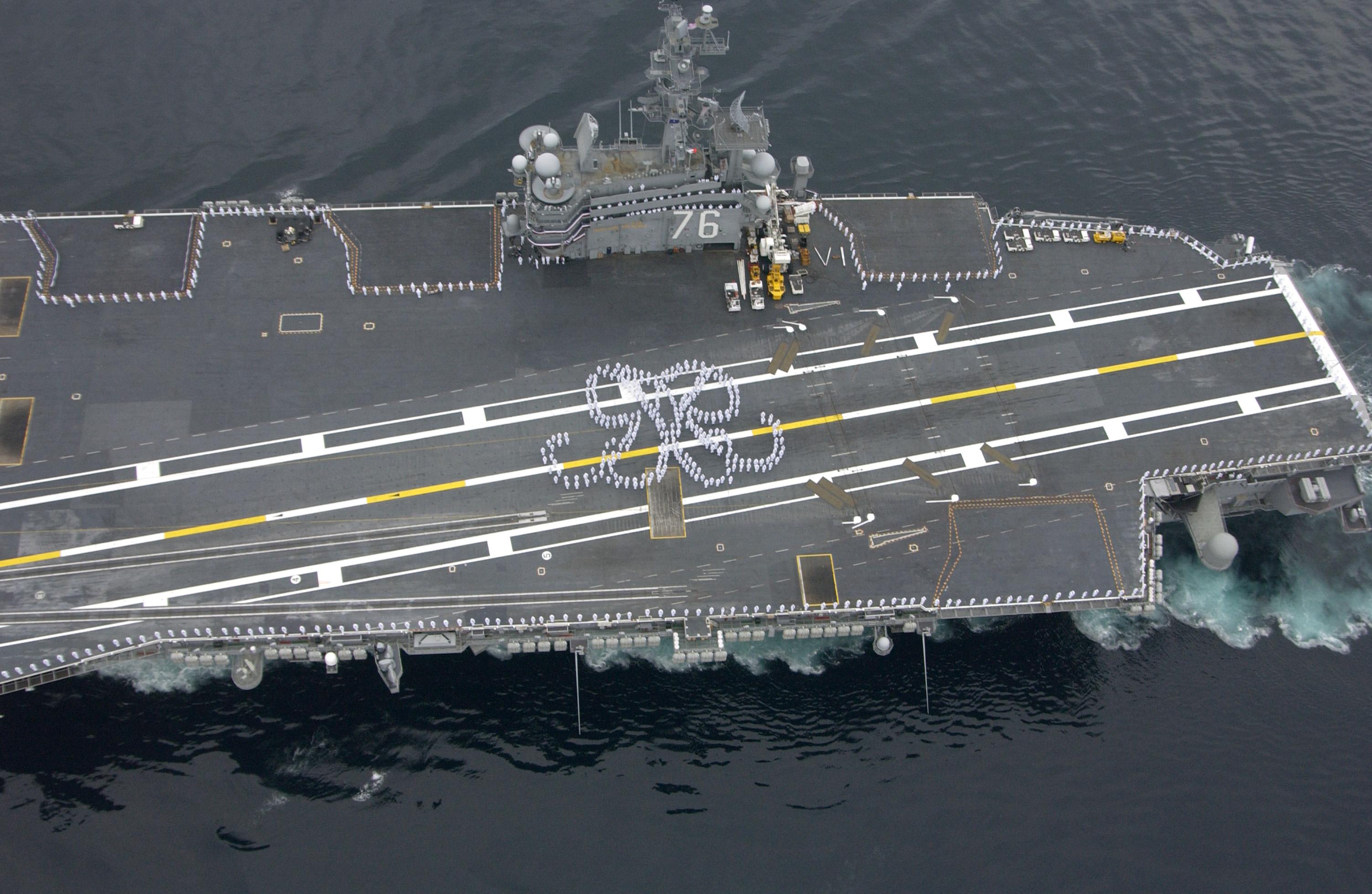 File Us Navy 040723 N 7615s 147 Sailors Wearing Summer