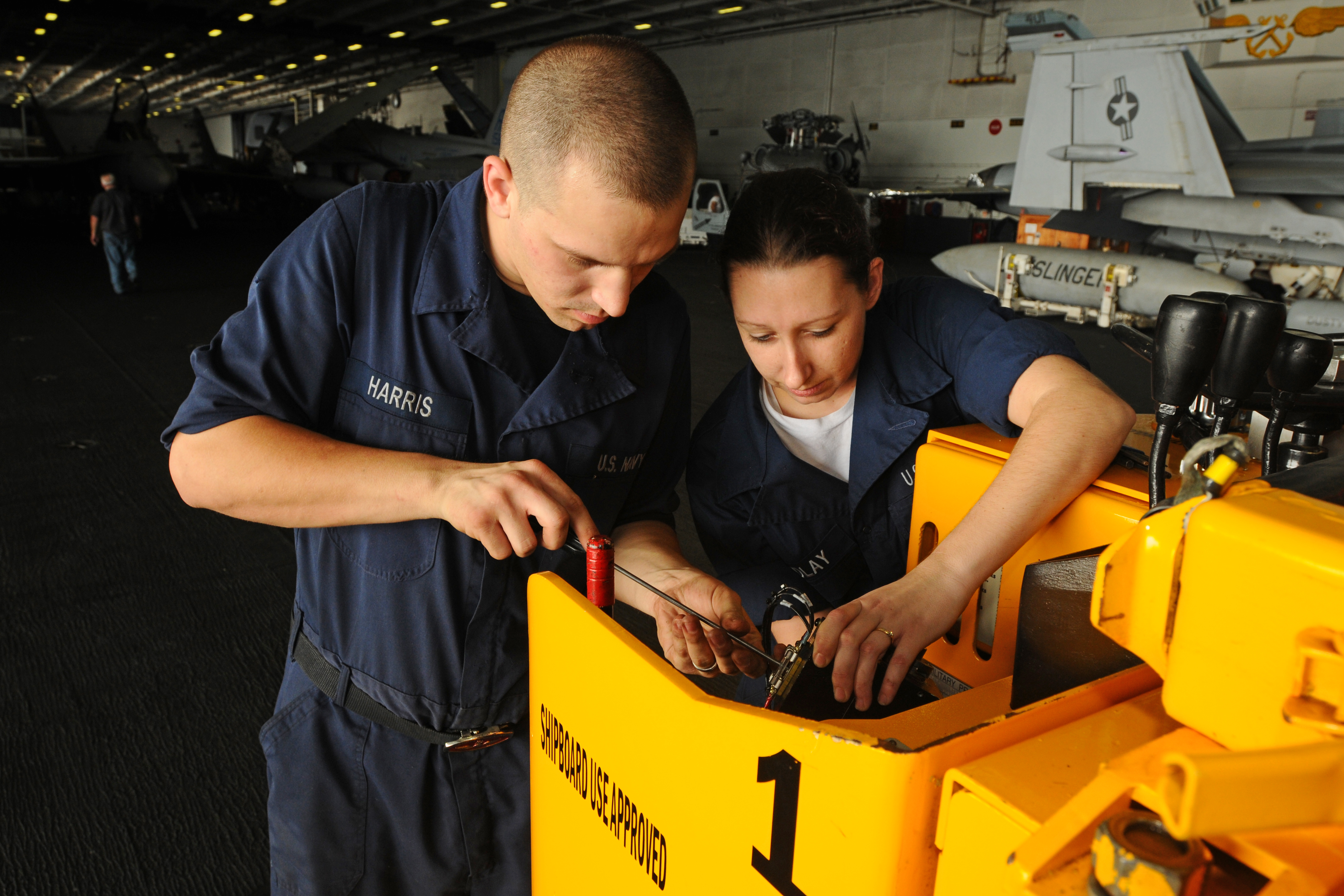 FileUS Navy NP Aviation Ordnanceman David Harris - Forklift mechanic