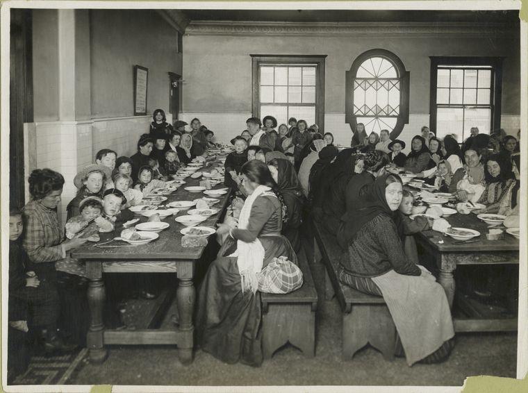 Ellis Island Teacher Sholastic