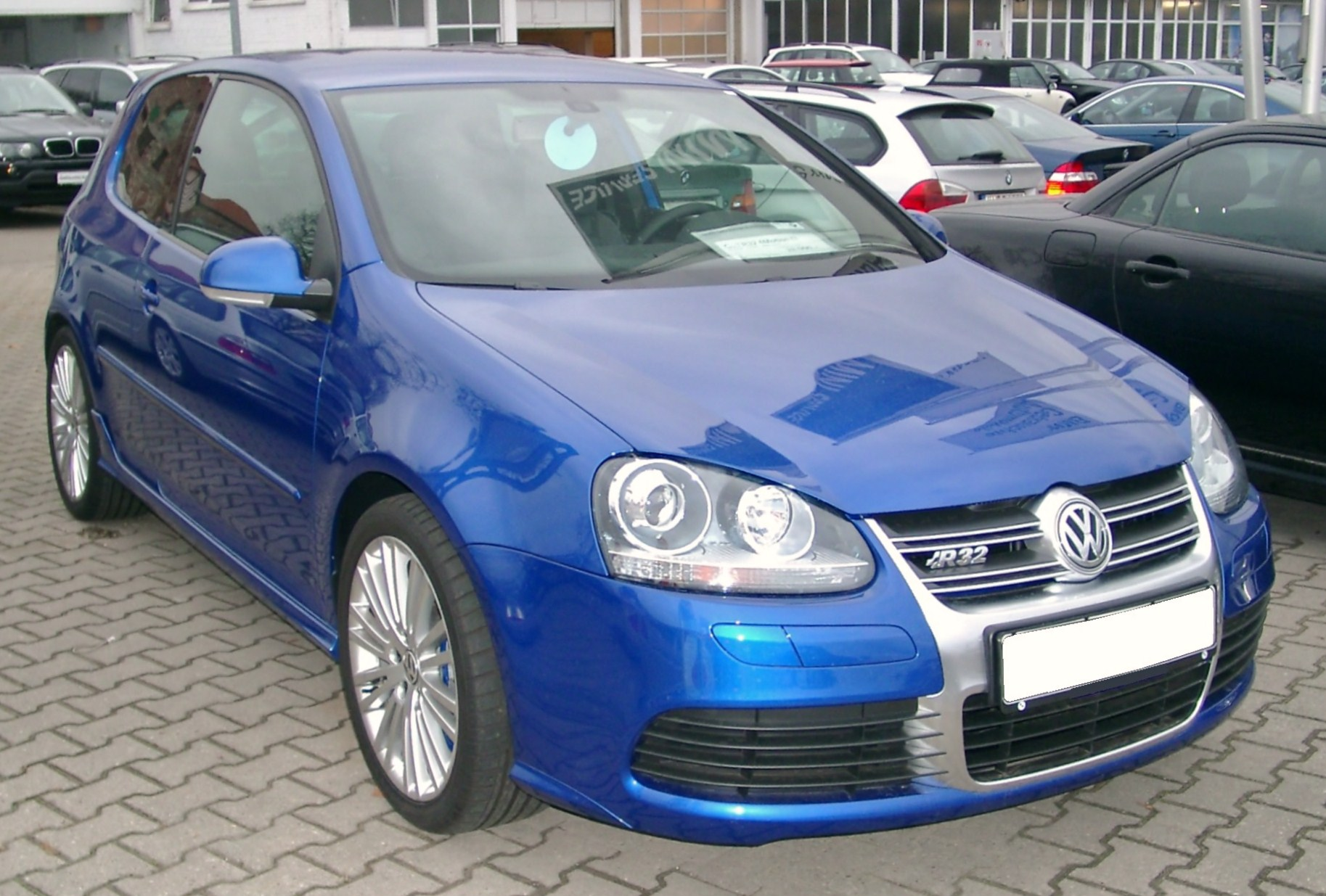 file vw golf v r32 front wikimedia commons. Black Bedroom Furniture Sets. Home Design Ideas