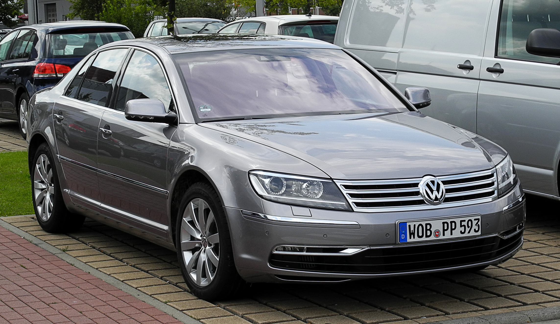 File:VW Phaeton 3.0 V6 TDI 4MOTION (2. Facelift ...