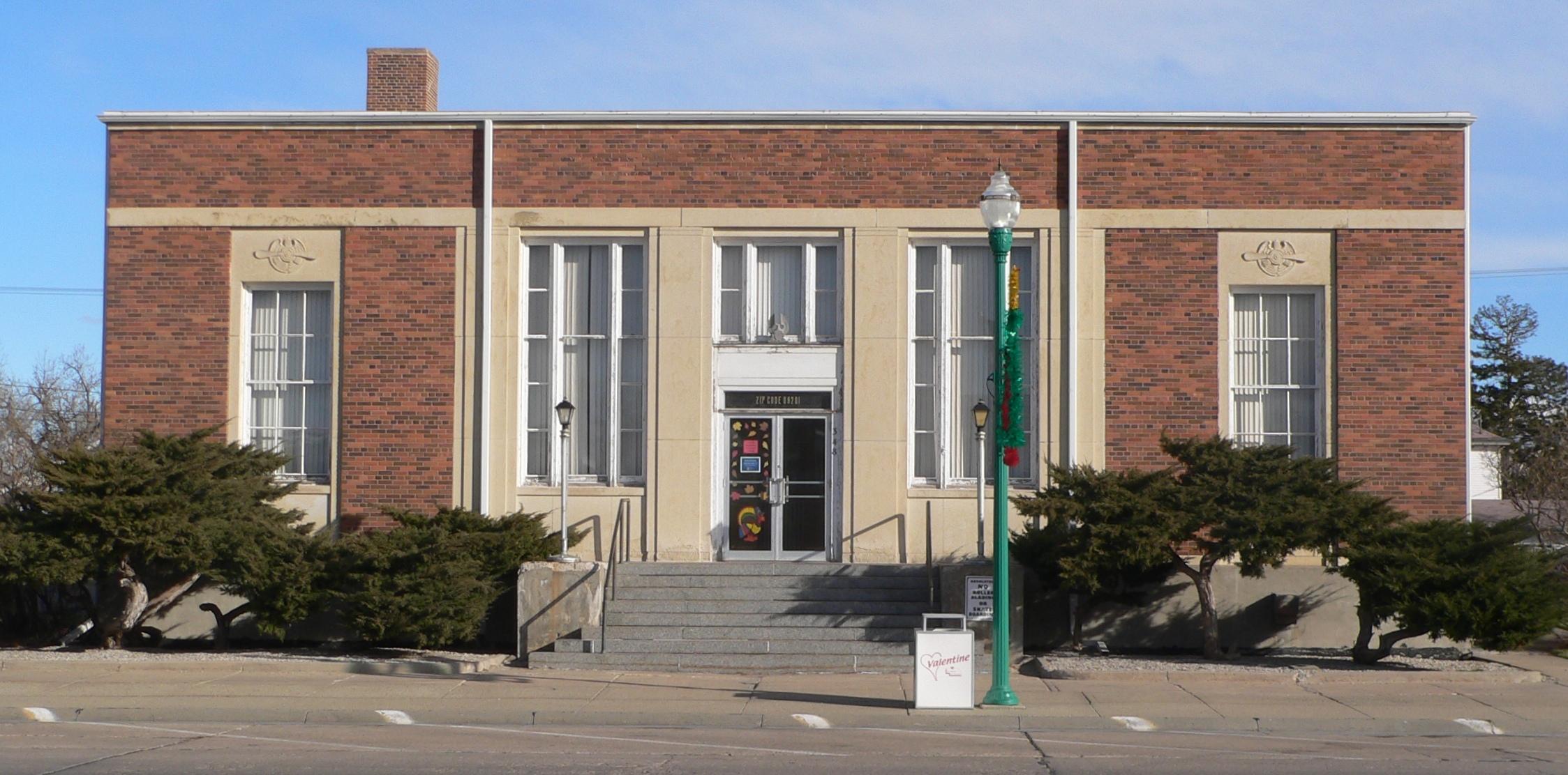 File:Valentine, Nebraska Former Post Office From W 1.JPG