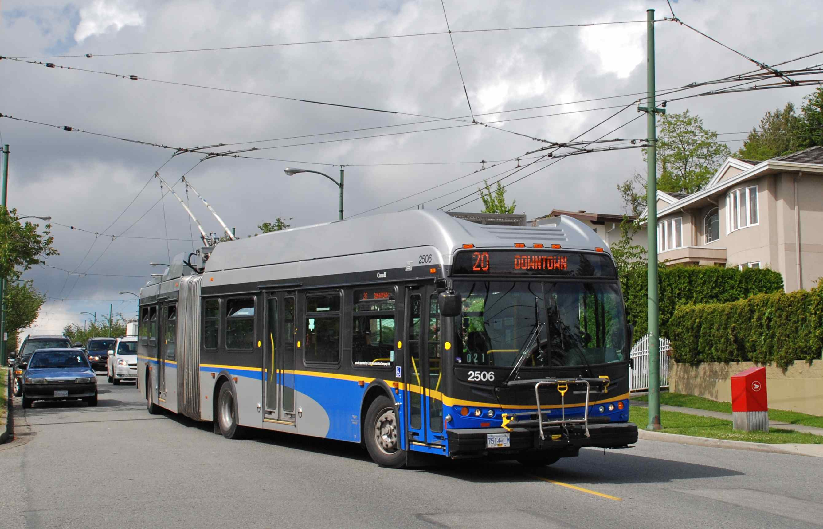 how to go to victoria from vancouver by public transit