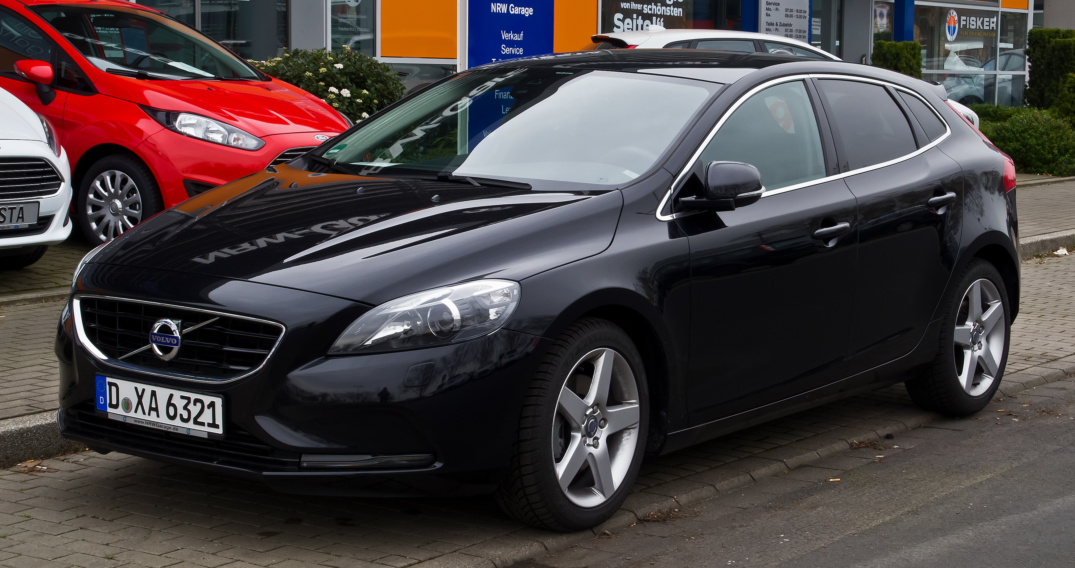 file volvo v40 summum ii frontansicht 3 m rz 2014 d wikimedia commons. Black Bedroom Furniture Sets. Home Design Ideas