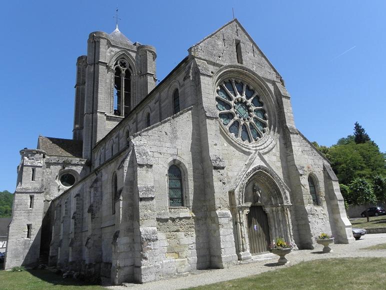 Façade occidentale de l'église Saint-Jean-Baptiste de Vorges (02).