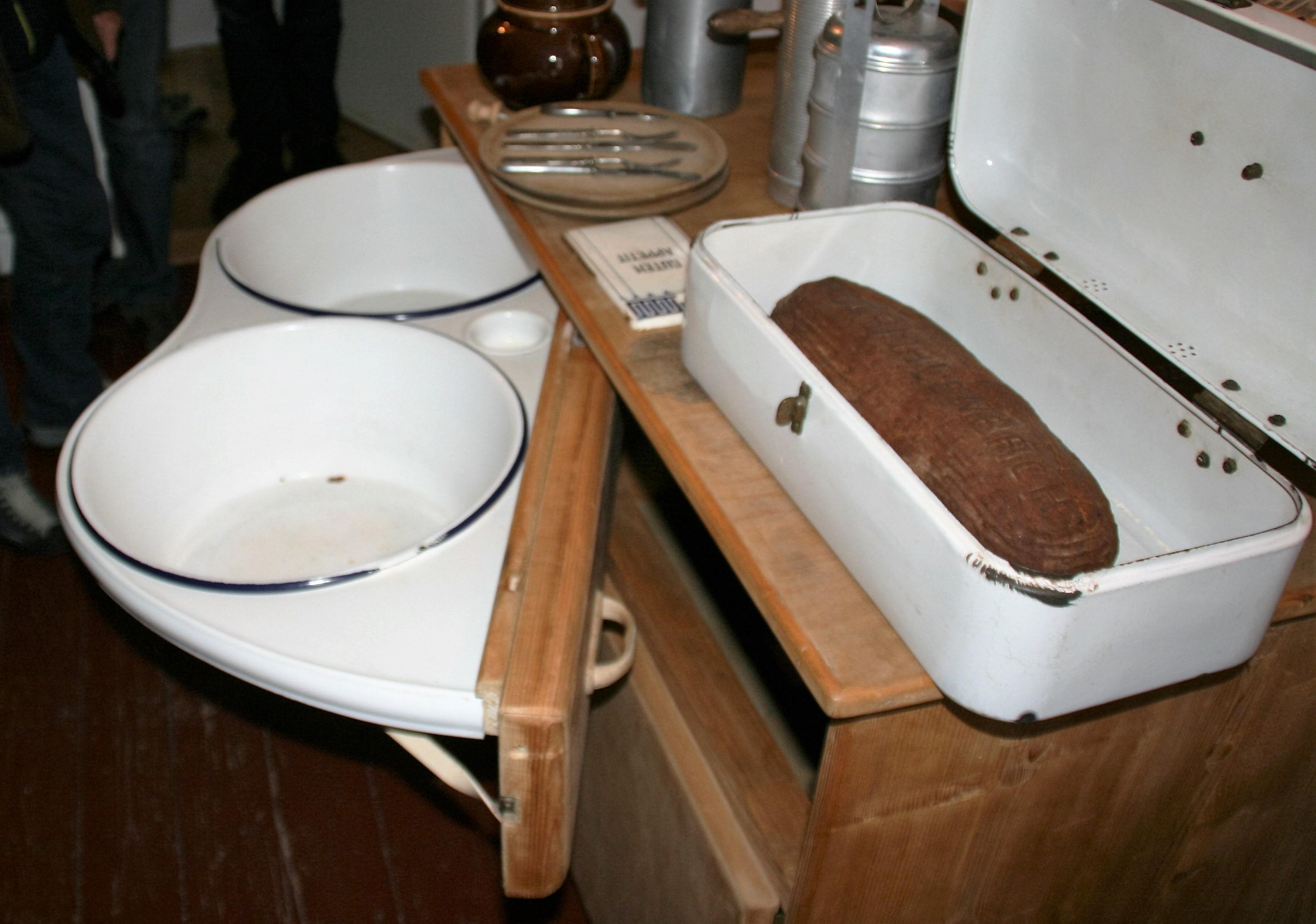 Datei Waschtisch Kuche Jpg Wikipedia