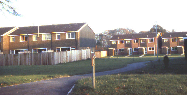 File:Wayside Green housing estate 1973 - geograph.org.uk - 62812.jpg ...: commons.wikimedia.org/wiki/File:Wayside_Green_housing_estate_1973...
