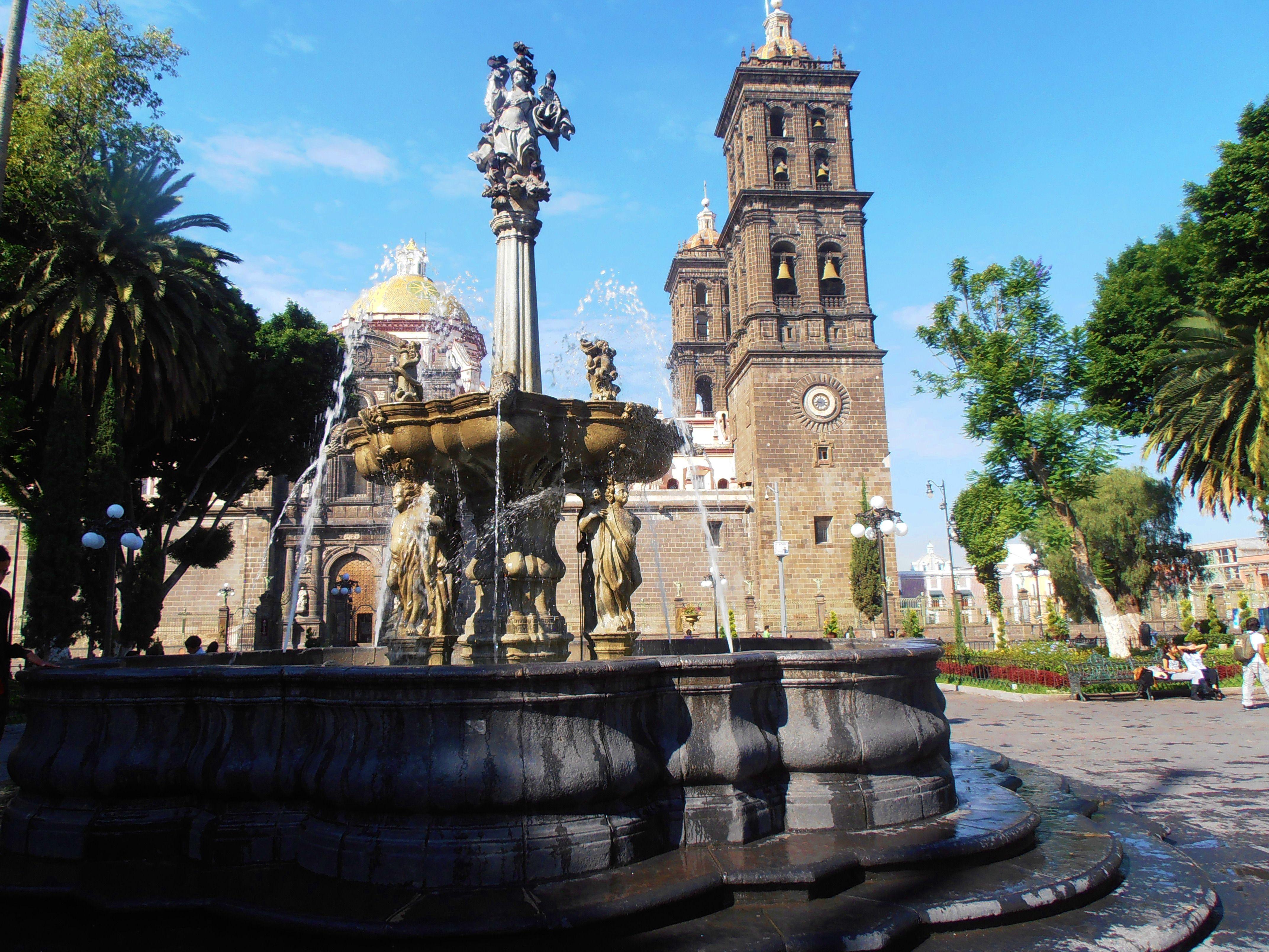 Zocalo_de_Puebla.JPG