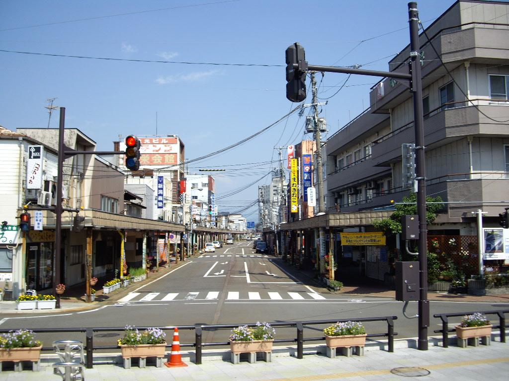 リオン ドール 新津 本町