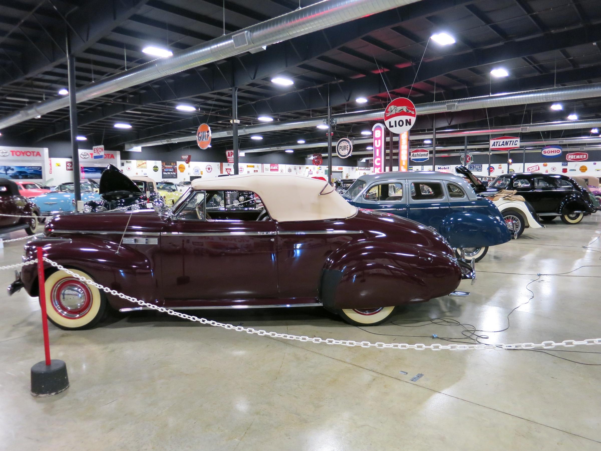 File Buick Super In Tupelo Automobile Museumjpg Wikimedia - Tupelo car show
