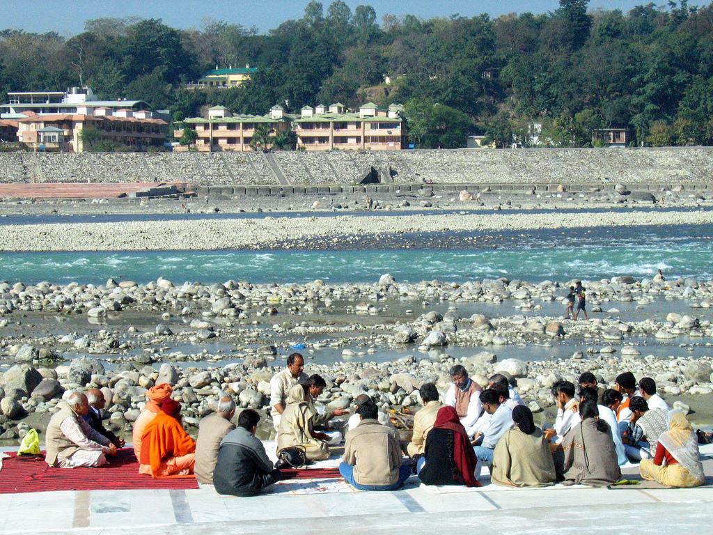 Best Ashrams With Reantal Rooms Haridwar Or Rishikesh