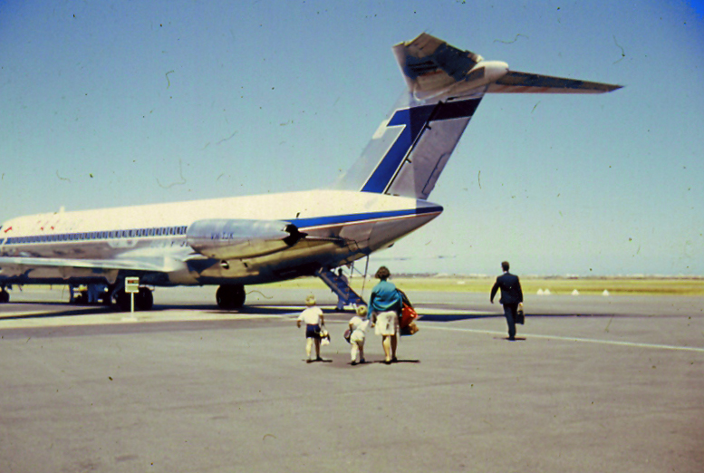 http://upload.wikimedia.org/wikipedia/commons/d/d5/Adelaide_Airport_Tarmac_1967.jpg