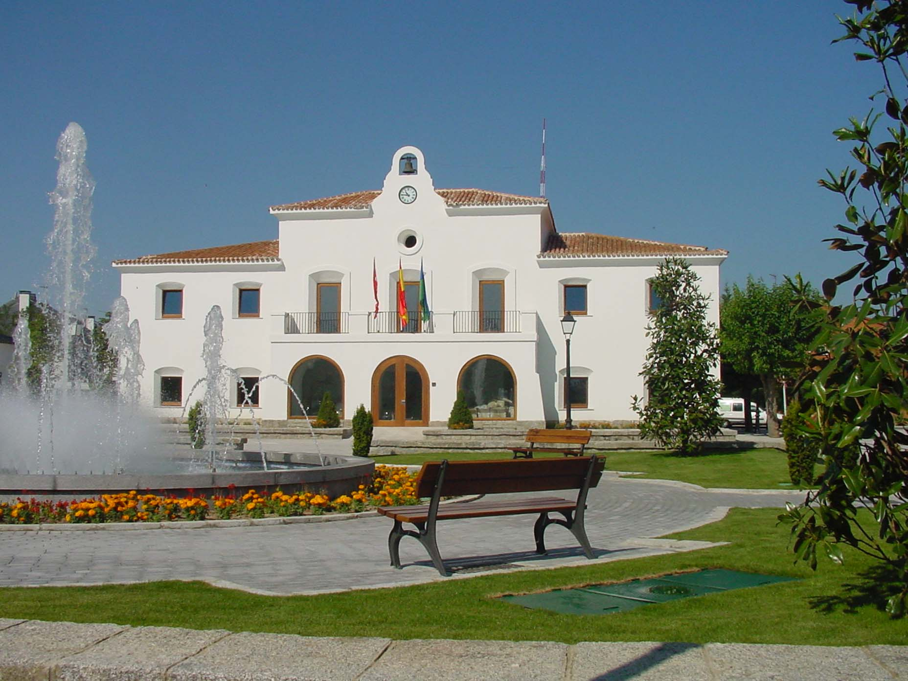 villanueva de la caada chatrooms Villanueva de la cañada is a municipality in the west of the comunidad de madrid (), north-west of the city of madridit borders valdemorillo and villanueva del pardillo to the north, majadahonda, boadilla del monte and villaviciosa de odón to the east, brunete to the south and borders quijorna to the west.