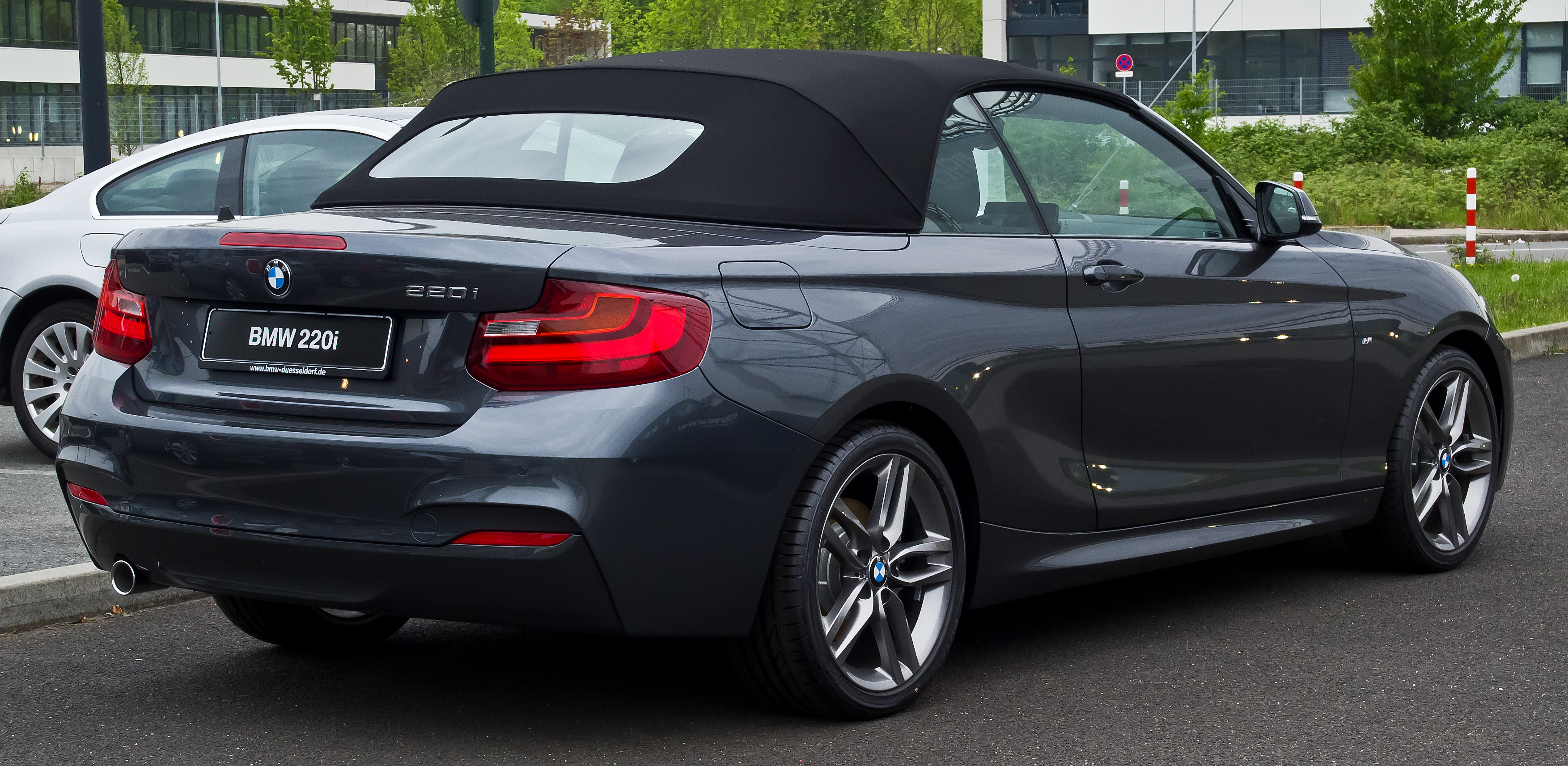 file bmw 220i cabriolet m sport f23 heckansicht 2 mai 2015 d wikimedia commons. Black Bedroom Furniture Sets. Home Design Ideas