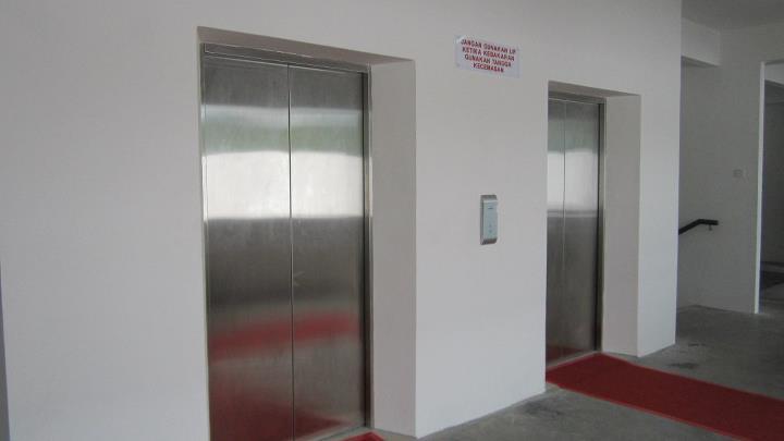 الزمن الذي نقضيه المصعد../ Bangunan_Wawasan_Hen