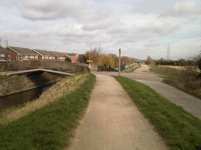 Beeston Canal bridge - geograph.org.uk - 746854