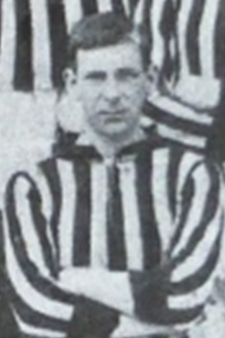 Powell while with [[Gillingham F.C.|New Brompton]] in 1908.