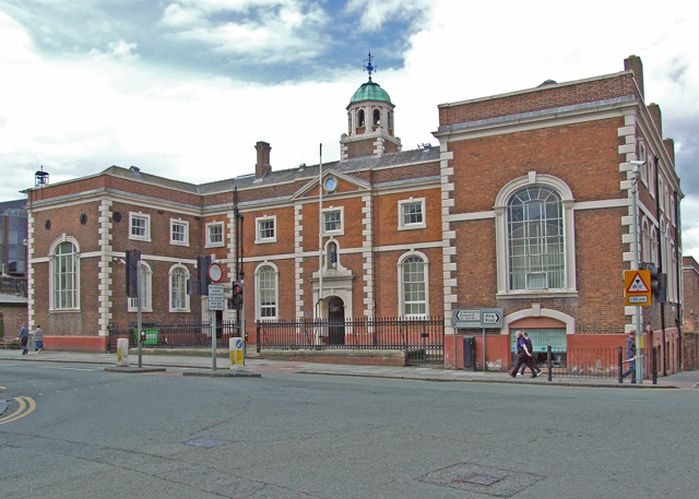 File:Bluecoat School - geograph.org.uk - 875556.jpg