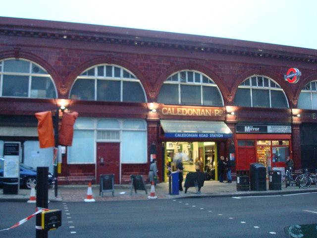 Caledonian Road Underground Station - geograph.org.uk - 1065255
