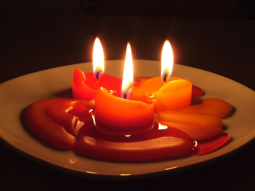 Http Commons Wikimedia Org Wiki File Candles In The Dark Jpg