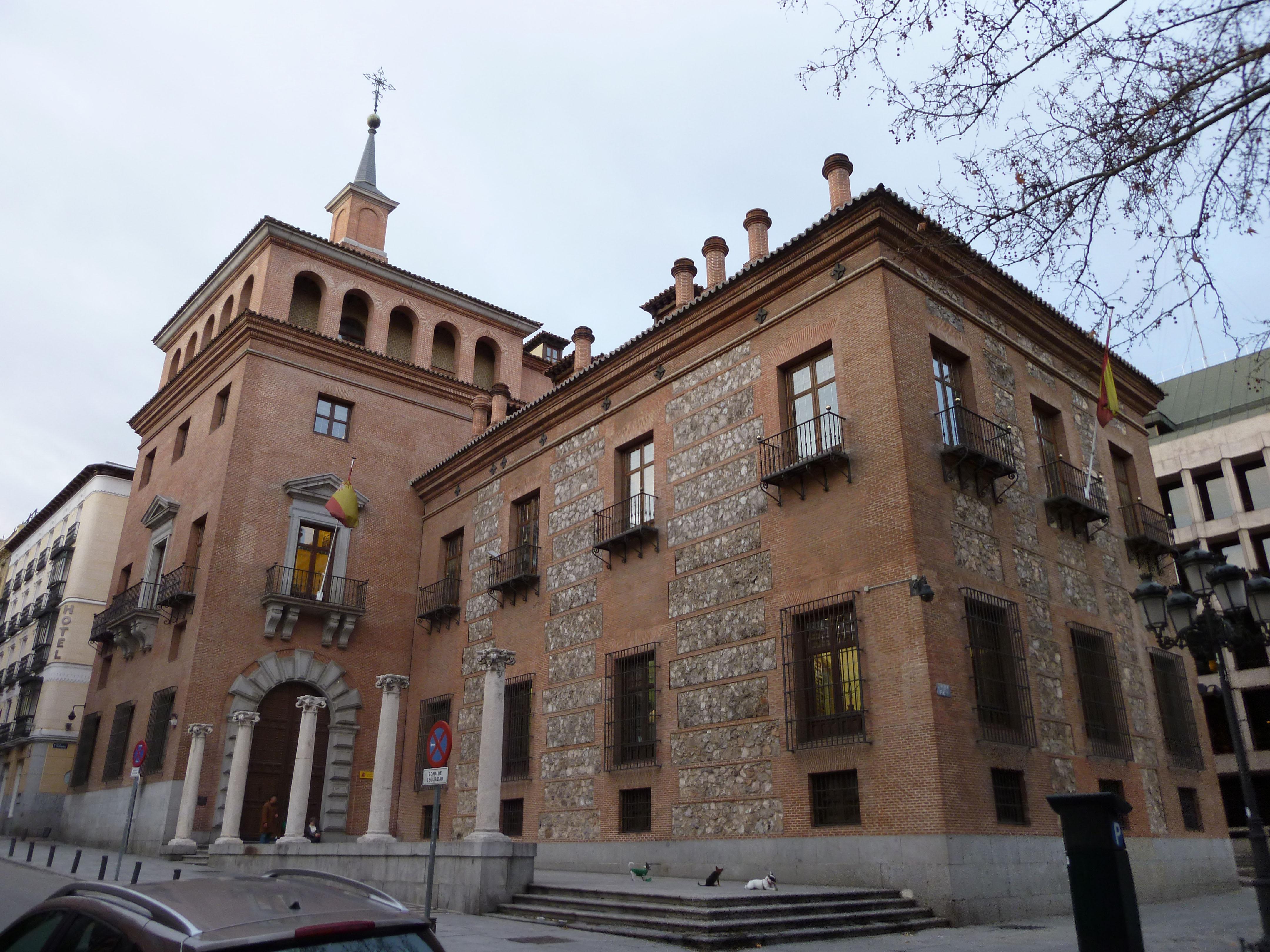 File casa de las 7 chimeneas madrid wikimedia - Venta de chimeneas en madrid ...