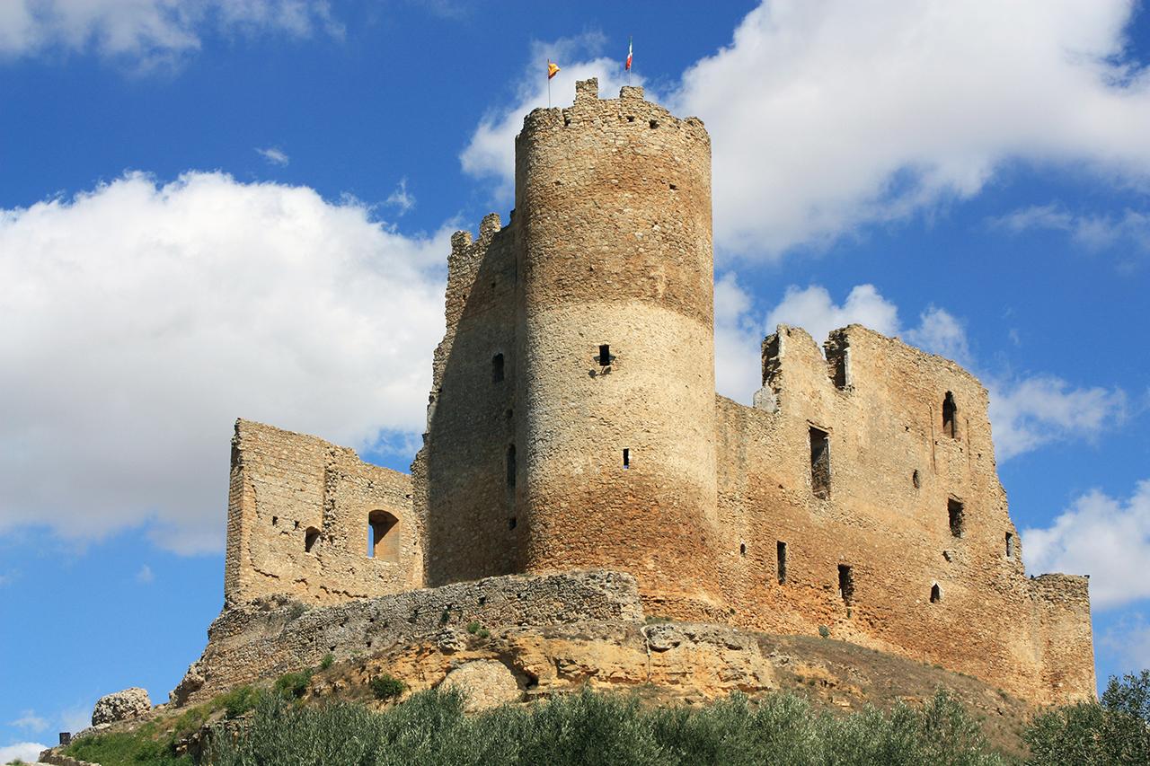 File:Castello di Mazzarino.jpg