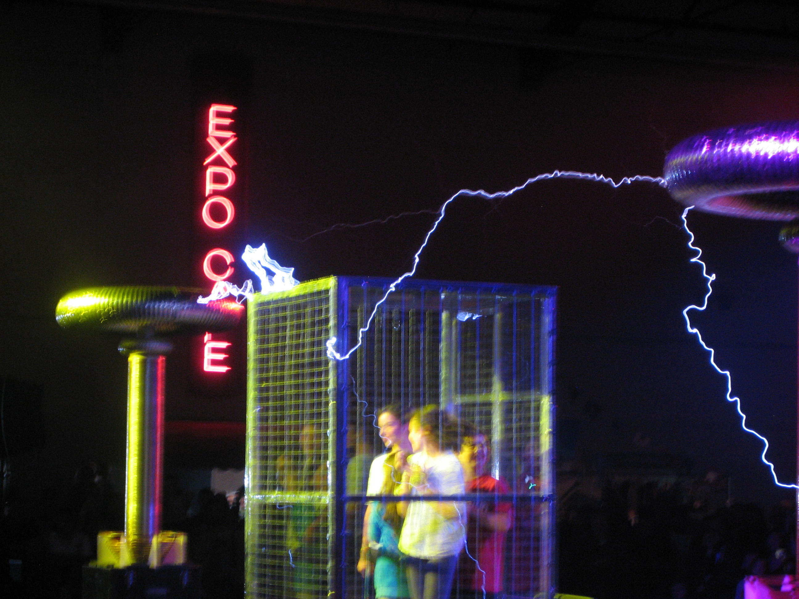 File Children In A Faraday Cage Getting Zapped By Tesla