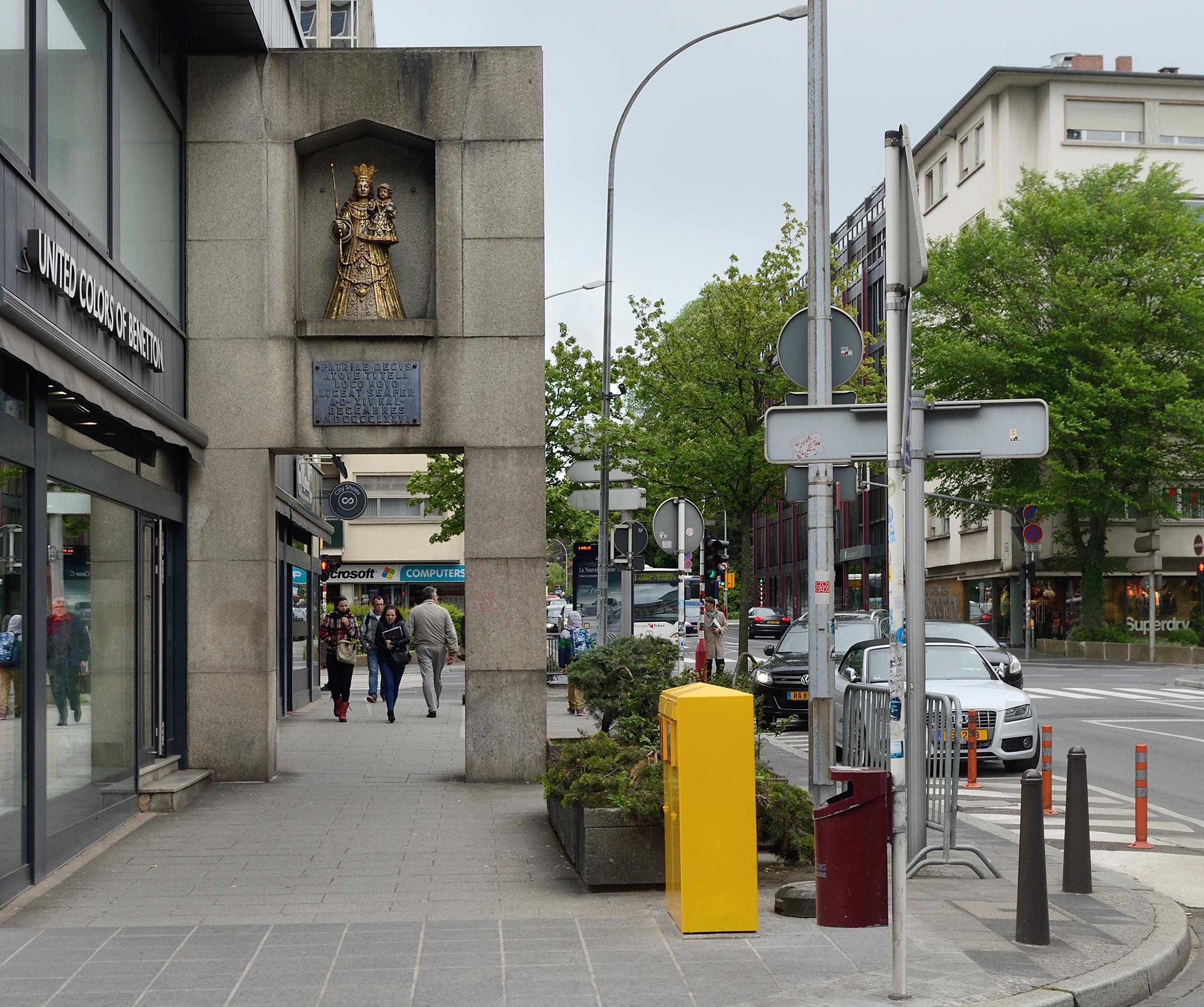 File consolatrix avenue de la porte neuve luxembourg 2014 - Avenue de la porte de montrouge ...